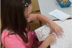 Jarní výšivka do papíru, dle motivu dětí